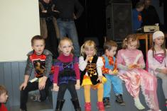 Malí tanečníci obsadili pódium, zkrátka přišel čas nachvíli klidu
