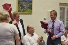 Předání oficiálního daru obce Čejetice starostovi Oberwilu