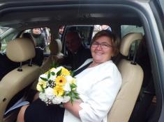 Ženich anevěsta míří nazlatou svatbu