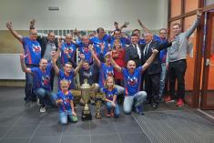 Nelíčená radost sudoměřského vítězného družstva mužů